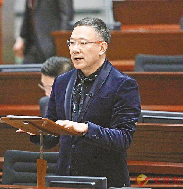 謝偉俊被推舉出任委員會主席。