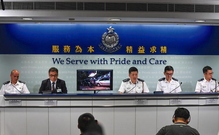 警方舉行媒體簡報會,主動向公眾釋疑,鄧竟成認為值得一讚。(中通社)