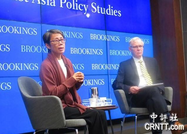 卜睿哲(右)與陸恭蕙在華盛頓出席探討香港問題研討會。
