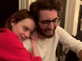 愛瑪史東宣布與諧星Dave McCary訂婚