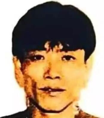 季炳雄當年被通緝的照片。