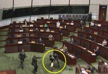 【繩之於法】審議國歌法 朱凱廸、陳志全、許智峯涉嫌立法會潑臭水今被捕