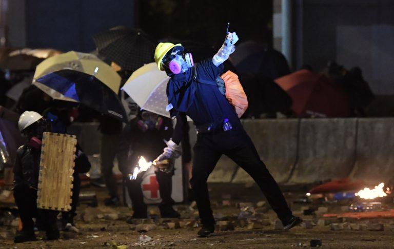 李家超表示,本土恐怖主義萌芽,本港將提升恐襲應變級別。