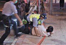許智峯報稱被跟蹤以身欄車險被撞 警員撲救雙倒地