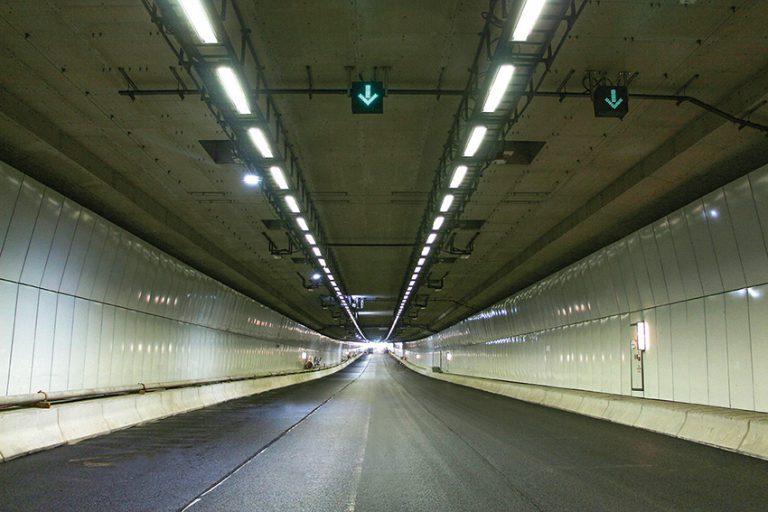 曾在鑽探時出現問題的過海隧道,工程已大致完成。