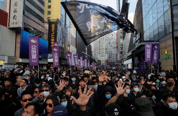 朱牧民在「香港民主委員會」網頁發聲明,指出5名香港抗爭者已逃抵美國。