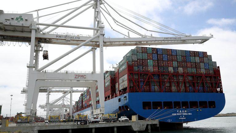 美國前總統特朗普(Donald Trump)因應香港實施《港區國安法》,取消香港特殊地位,宣布從香港進口貨品不得使用「香港製造」標籤。