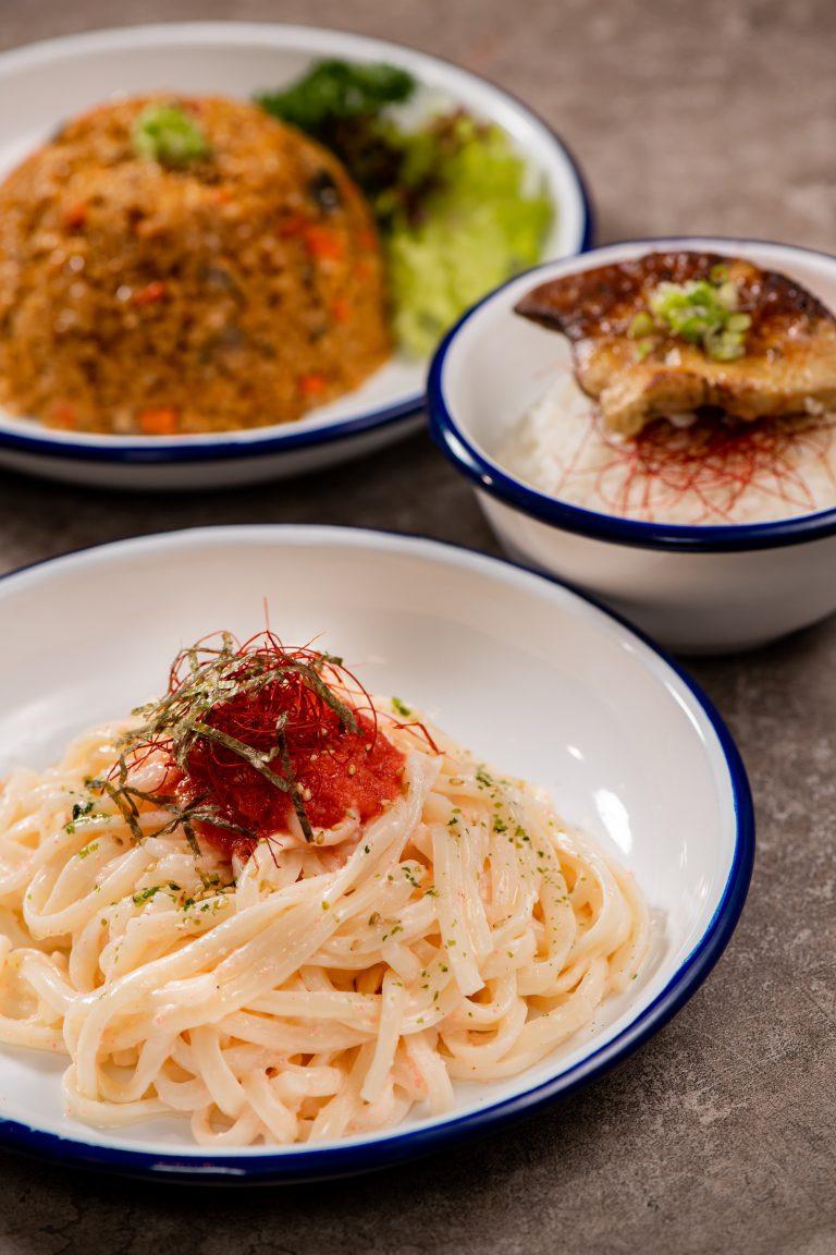 吃罷串燒,想飽肚一點,可點選明太子烏冬和鵝肝飯。