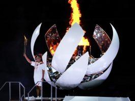 東京奧運揭幕 7千人競技場內觀看燃點主火炬儀式