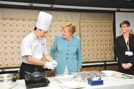 默克爾執政期間,曾12次到訪中國,德國也是中國在歐洲的最大貿易夥伴。